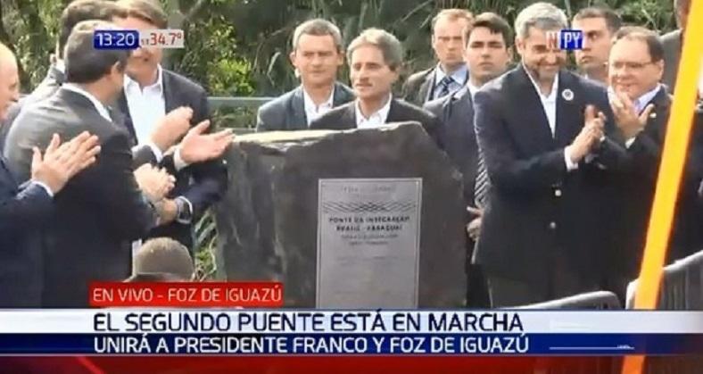 Abdo y Bolsonaro inician obras de puente
