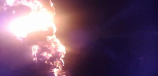 Depósito de combustible arde en llamas