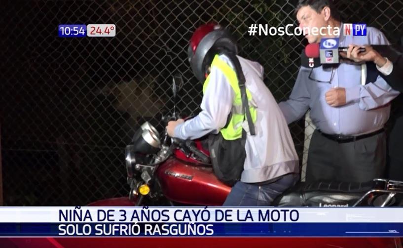 Niña de tres años resulta herida tras caer de motocicleta