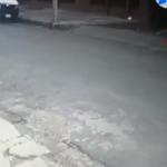 Motochorro se apodera de celular de trabajadora en segundos