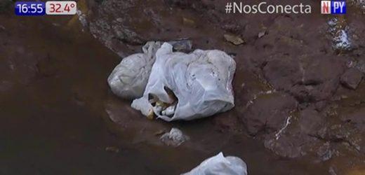 Denuncian grave contaminación de arroyo en San Lorenzo