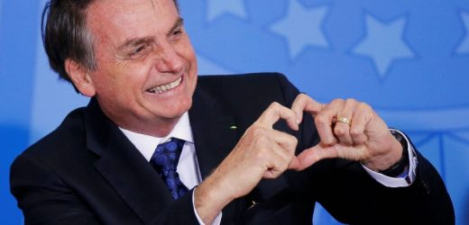 Senado brasileño investiga a Jair Bolsonaro