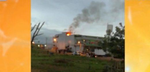 Supermercado de Guarambaré en llamas