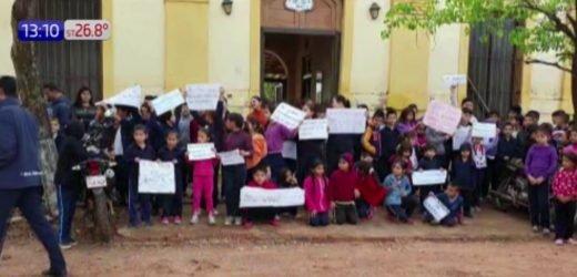 Cansados de los robos a su escuela, niños marchan contra la inseguridad