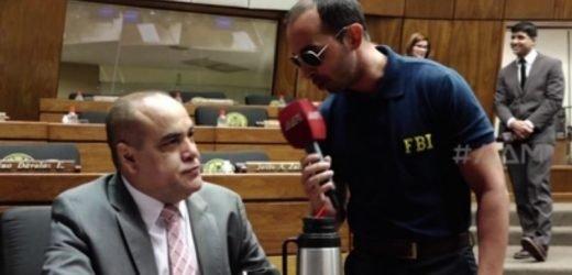 Un agente del FBI recorrió los pasillos del Congreso