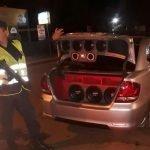 ¿Policías interviniendo ruidos molestos?