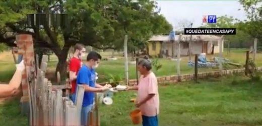 Celebró su cumpleaños dando de comer a familias carenciadas