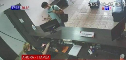 Itapúa: Solitario hombre saquea tres locales de apuestas