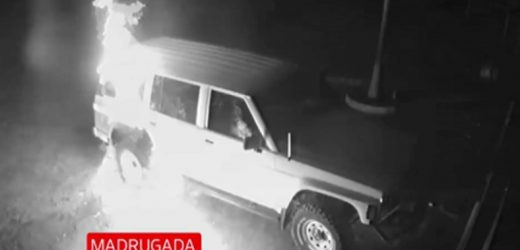 Lanzan bomba contra camioneta de concejal de Ñemby