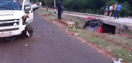 Confuso accidente: Auto impacta contra patrullera que asistía a un accidentado