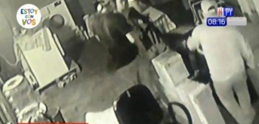 16 delincuentes asaltan transportadora sin éxito