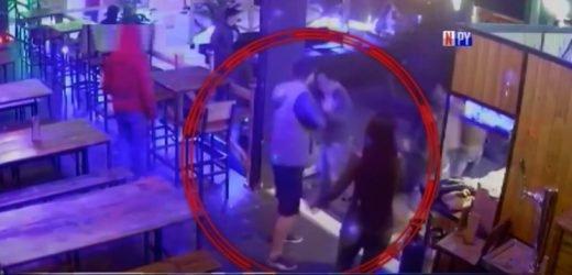 Violenta pelea dentro de un bar en Ñemby