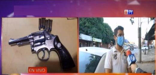 Comerciante reduce a delincuente armado durante asalto